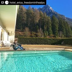 #Repost @hotel_erica_freedominthealps  Michele Boscacci campione del mondo 2016 di sci alpinismo è passato qui all'Hotel Erica Freedom in the Alps.  Dopo la vittoria di ieri ci starebbe un bel tuffo nella nostra nuova piscina! In bocca al lupo per la stagione!! La Sportiva #hotelericafiemme #skimo #sportiva #lasportiva