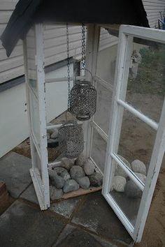 lyhty vanhoista ikkunoista - lantern made from old window pans. Vintage Windows, Old Windows, Grandmas Garden, Garden Workshops, Garden Deco, Diy Patio, Garden Crafts, Small Gardens, Outdoor Projects