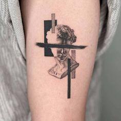 tattoo, animal et inked image sur We Heart It Simplistic Tattoos, Modern Tattoos, Subtle Tattoos, Cool Small Tattoos, Sexy Tattoos, Body Art Tattoos, Sleeve Tattoos, Simple Guy Tattoos, Tatoos
