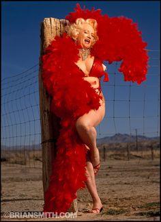 Legends of Burlesque - Dixie Evans Tempest Storm, Golden Time, Vintage Burlesque, Old Hollywood Glamour, Showgirls, Red Velvet, Pin Up, Lion Sculpture, Evans