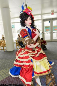 (Photo: Andy Rae)The Evil Queen, jealous of Snow White's beauty, ordered the Huntsman to slay her. Snow White responded by stabbing the Evil Queen through the chest. The end.It would have made for a very short, but certainly compelling movie. This costume worn by cosplayer Andy Rae might have been selected for the 1937 Disney movie. It's one of many great cosplays inspired by the classic Disney princess film. Let's look at others: (Photo of Snow White the Jedi by David Ngo)(Genderswappe...