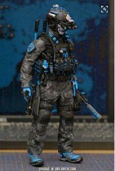 A Comprehe New in Box Bushcraft Special Forces Survival Kit conçu par des forces spéciales