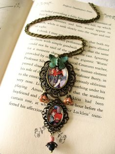 Necklace  Le Guide by Minasmoke