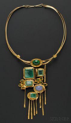 Miye Matsukata, collier ca.1978 Atelier Janiye. Gold - Emeralds, blue chalcedoine, malachite, peridot. Collier or fin et or 18kt, émeraudes, calcedoine , malachite, péridot