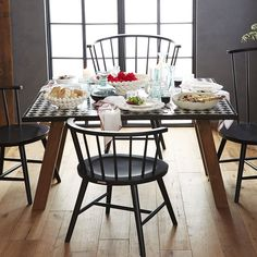 Dinner Table made by Aït Manos