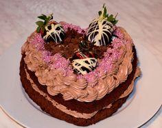 Homemade Chocolate Heart Cake with Chocolate Strawberries for Valentines Day Homemade Desserts, Homemade Food, Chocolate Hearts, Chocolate Strawberries, Homemade Chocolate, Valentines Day, Strawberry, Cake, Amazing