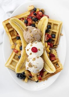Cereal Recipes, Waffle Recipes, Snack Recipes, Snacks, Smoothie Recipes, Whipped Cream Ingredients, Homemade Whipped Cream, Banana Fritters, Banana French Toast