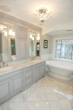 Amazing 32 Clever Master Bathroom Remodelling Ideas on A budget https://cooarchitecture.com/2017/04/12/clever-master-bathroom-remodelling-ideas-on-a-budget/