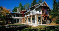 A single family home in Wisconsin done by the fellows at Vetter-Denk; grand, yet cozy.