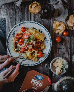 KASVISRAGU JA NÄIN PUOLITIN PERHEEN LIHANSYÖNNIN – Liemessä Deli, Pasta Salad, Plant Based, Cooking, Healthy, Ethnic Recipes, Food, Meal, Kochen
