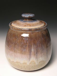 Cookie jar by brentsmithpottery on Etsy Ceramic Cookie Jar, Ceramic Jars, Ceramic Clay, Cookie Jars, Ceramic Pottery, Pottery Art, Pottery Ideas, Amaco Glazes, Pots