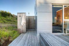 douche de jardin et déco minimaliste