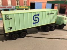 Lima Container Truck (4 in total)