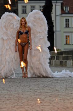 Victorias Secret Angel Candice Swanepoel, the things i would do to have this body....