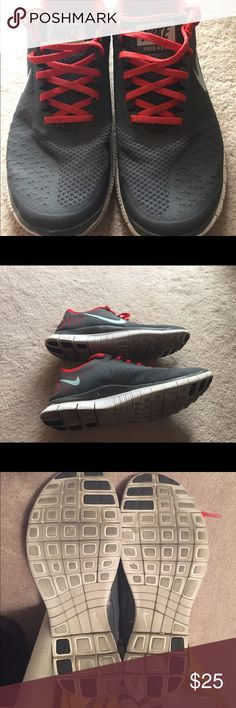 Nike Free 4.0 Nike Free 4.0 V2 womens Gray and Red running shoes. Great condition! Nike Shoes Athletic Shoes