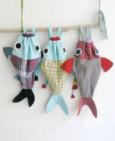 15 New Ideas Sewing Bags Drawstring Backpack Tutorial Fabric Crafts, Sewing Crafts, Sewing Projects, Sewing Kits, Drawstring Backpack Tutorial, Fishing Backpack, Fish In A Bag, Kids Bags, Sewing For Kids
