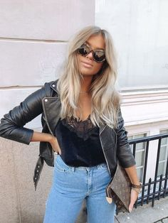 Shop our online store for blonde hair wigs for women.Blonde Wigs Lace Frontal Hair Blonde Hair With Highlights And Lowlights From Our Wigs Shops,Buy The Wig Now With Big Discount. Blonde Weave, Blonde Wig, Medium Blonde Hair, Wavy Hair, Blonde Hair With Bangs, Bleach Blonde Hair, Curls Hair, Hair Ponytail, Ponytail Hairstyles