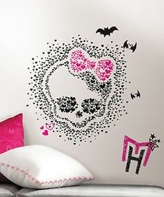 Monster High Heart Skullette Peel & Stick Wall Decals Wall Decals Wall Decal - 69 x 102 cm Monster High Room, Monster High Party, Monster High Dolls, Bedroom Themes, Girls Bedroom, Bedroom Decor, Bedroom Ideas, Wall Stickers Murals, Wall Decals
