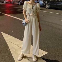 Korean Girl Fashion, Asian Fashion, Ulzzang Fashion Summer, Fashion Cover, Daily Fashion, Aesthetic Fashion, Aesthetic Clothes, Vogue Fashion, Runway Fashion