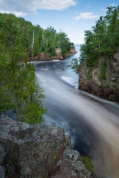 Baptism River entering Lake Superior, Tettegouche State Park, #Minnesota.  Photo: Bryan Hansel via Flickr