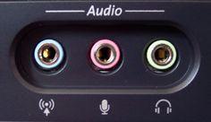 Puertos de audio. Entrada micrófono (rosa). Salida bocinas frontales (verde). Línea de entrada de sonido (azul).  Se encarga de enviar y recibir las señales entre la computadora y los dispositivos.