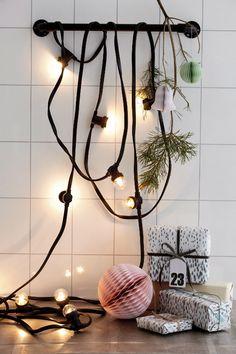 House Doctor / Svítící řetěz s žárovkami Nordic Christmas, Christmas Gnome, Christmas Themes, Christmas Decorations, Xmas, Christmas Balls, House Doctor, Decorating With Christmas Lights, Decorating Your Home