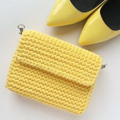 Haraşo Bag Making From Combed Rope - - Crochet Wallet, Crochet Clutch, Crochet Handbags, Crochet Purses, Knit Crochet, Crochet Bags, Crochet T Shirts, How To Make Handbags, Cute Bags