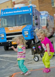 Food Trucks in Alpharetta http://www.awesomealpharetta.com/pages/ContentPage.aspx?ContentName=Food_Truck_Alley