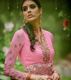 Mesmerizing Beauty In Pink Heavy Anarkali Suit