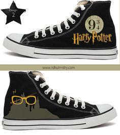 Harry Potter Handpainted Converse Shoes 😍❤️ love them! Converse All Star, Cool Converse, Converse Sneakers, Converse Chuck Taylor, High Top Sneakers, Converse Store, Custom Converse Shoes, Harry Potter Shoes, Harry Potter Outfits