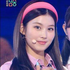 South Korean Girls, Korean Girl Groups, My Girl, Cool Girl, Tzuyu And Sana, Sana Cute, Sana Momo, Sana Minatozaki, Jihyo Twice