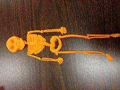 This teacher has her Principles of Health Science students create skeletons using Play-Doh... cool activity!!