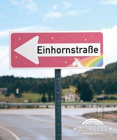 Hol dir das Einhornland nach Hause! Dieses Schild ist so süß und perfekt für dein Wohnzimmer - tolle Wanddeko :)