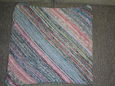 Sockenwolle und Acrylgarn 2-fädig verarbeitet zu einer Babydecke