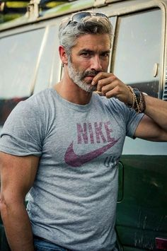 Hot Men w/ Grey & Silver Hair : 42 Hairstyles for Men with Silver and Grey Hair Hot Men, Silver Foxes Men, Grey Hair Men, Gray Hair, Grey Hair Male Model, Silver Hair Men, Mode Man, Hair And Beard Styles, Beard Styles For Men Over 50