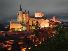 ALCÁZAR de SEGOVIA- THE sleeping beauty castle and my favorite city in the world, besides comillas:)