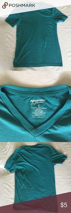 Arizona Jean Co NWOT Shirt Never worn Arizona Jean Company Shirts Tees - Short Sleeve