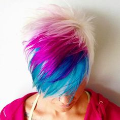 Pixie Haircut with Color - Short Bob Hair Styles Pixie Hair Color, Cool Hair Color, Hair Colors, Funky Hairstyles, Pretty Hairstyles, Color Fantasia, Corte Y Color, Haircut And Color, Bright Hair