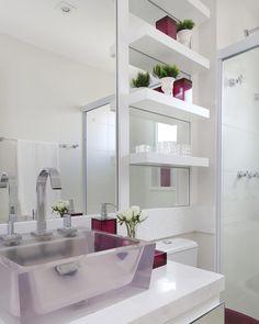 By @moniserosaarquitetura @marianaorsifotografia #interiores #banheiro #banheirodemenina #banheirodeadolescente #decor #homedecor #decoracao #projeto #arquiteta #designer #bymoniserosa #moniserosaarquitetura
