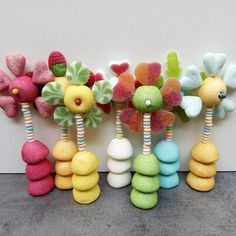 "BROCHETTE DE BONBONS ""LOVE"""