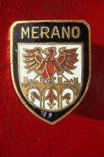 OLD RARE ITALY MERANO COAT OF ARMS BRONZE ENAMEL LABOR MILANO TOP BADGE