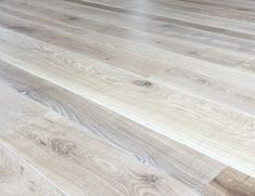 Engineered Band-Sawn Natural Oak  flooring. Rough sawn , rippled texture & no yellowing. Wide-plank, fixed or mixed-widths in very long lengths up to 3.5m. £60.50m2 UK Manufacturer. FREE SAMPLE? Pls follow the link...