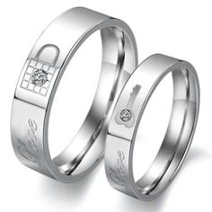 I love theses rings!!............... http://www.amazon.com/gp/aw/d/B0093G779E/ref=redir_mdp_mobile/178-6861232-3371925?keywords=lock%20and%20key%20wedding%20bands=1369705858_=sr_1_1=jewelry=1-1   _________  Quiero estos para nosotros.