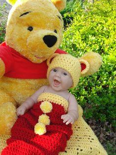 Newborn Hat and Cocoon: A Tribute to Winnie the Pooh Crochet Preemie Hats, Newborn Crochet, Crochet Toys, Crochet Baby Cocoon, Crochet Baby Clothes, Baby Blanket Crochet, Loom Knitting, Baby Knitting, Baby Bunting Bag