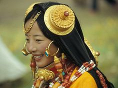 Breathtaking Beauty in Tibet, Khampa, Belle of the Litang Festival We Are The World, People Around The World, Beautiful World, Beautiful People, Beautiful Body, Beautiful Smile, Beauty Around The World, Exotic Beauties, Ethnic Jewelry