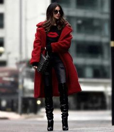 ( link) gorgeous outfit for this winter : red coat printed sweater bag jeans over knee boots Estilo Fashion, Look Fashion, Ideias Fashion, Fashion Outfits, Womens Fashion, Dressy Outfits, Fashion Fall, Latest Fashion, Fashion Trends
