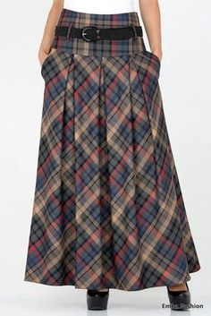 De rok is veel te lang, maar op kuitlengte wel leuk. Een mooi soepel ruitje en d. Tartan Fashion, Boho Fashion, Fashion Dresses, Modest Outfits, Skirt Outfits, Dress Skirt, Winter Skirt, Winter Dresses, Types Of Skirts