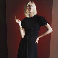 "Gefällt 42 Mal, 3 Kommentare - hair&makeup artist (@kimkeusen) auf Instagram: ""She is on 🔥shot by Gregor Hohenberg#humbyme#hair#fire#model#dress#blackandred#work#blond#davines"""