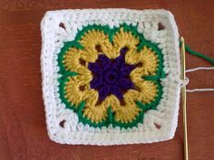 This is my first try with a granny square. Not that bad, isn't it? Maybe I dare to begin knitting a blanket