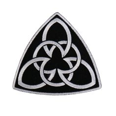 Celtic Symbol Embroidered Triangle 4 Inch Iron or Sew on Patch Licensed embroidered patch 4 inches by 4 inches Iron on or sew on backing Celtic Symbols And Meanings, Ancient Symbols, Celtic Patterns, Celtic Designs, Irish Celtic, Celtic Art, Vikings, Tattoo Son, Filipino Tattoos